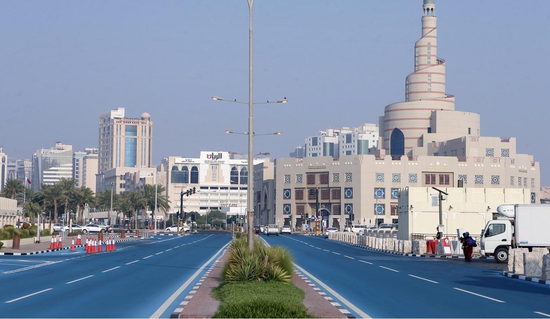 তাপমাত্রা কমিয়ে আনতে রাস্তার রঙ বদলে ফেললো কাতার   insaf24.com