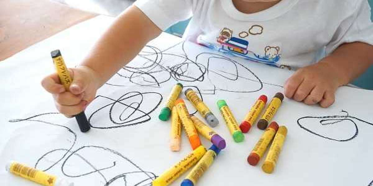 Çocuklar neden küçük yaşlardan itibaren renklendirmeyi öğretmelidir?